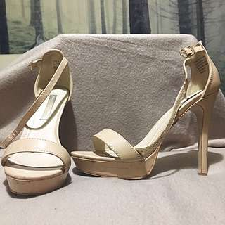 Authentic Pied A Terre Nude Heels