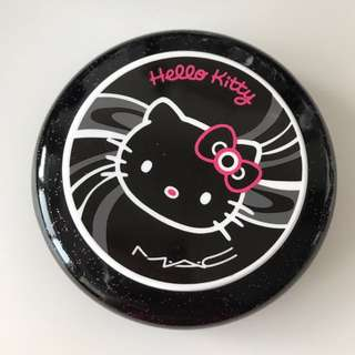 "MAC HELLO KITTY ""PRETTY BABY"" BEAUTY POWDER"