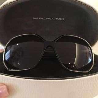 (SALE) - Balenciaga Sunnies