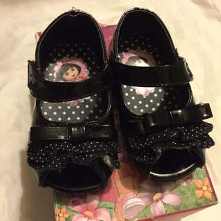 Dora shoes (black)