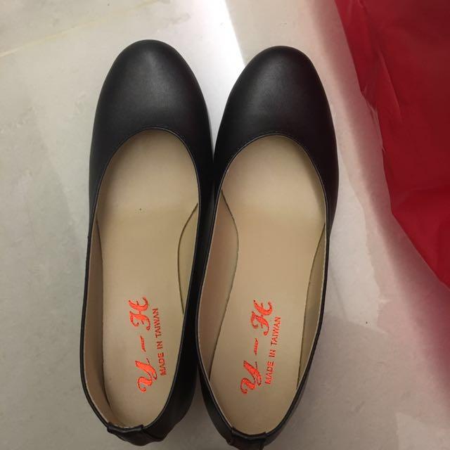 全新)面試可穿的皮鞋,有根