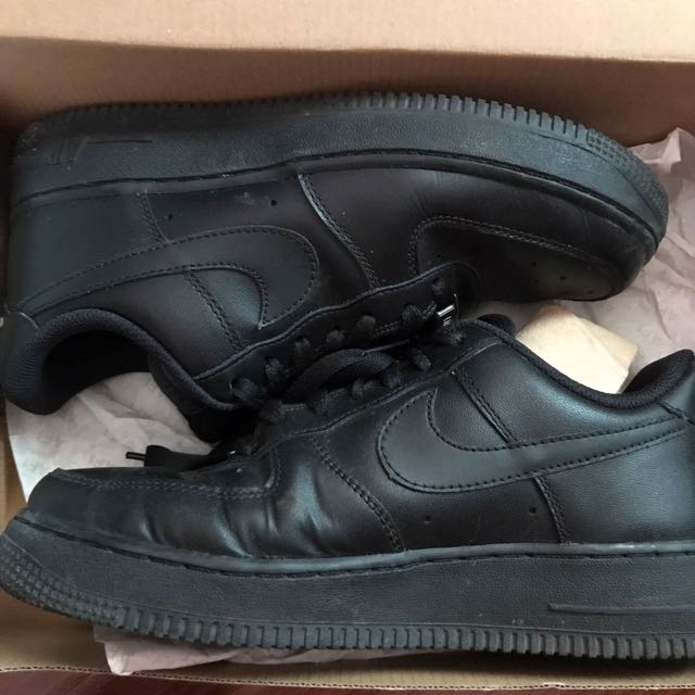 Air Force 1 Size 7.5 / WMNS
