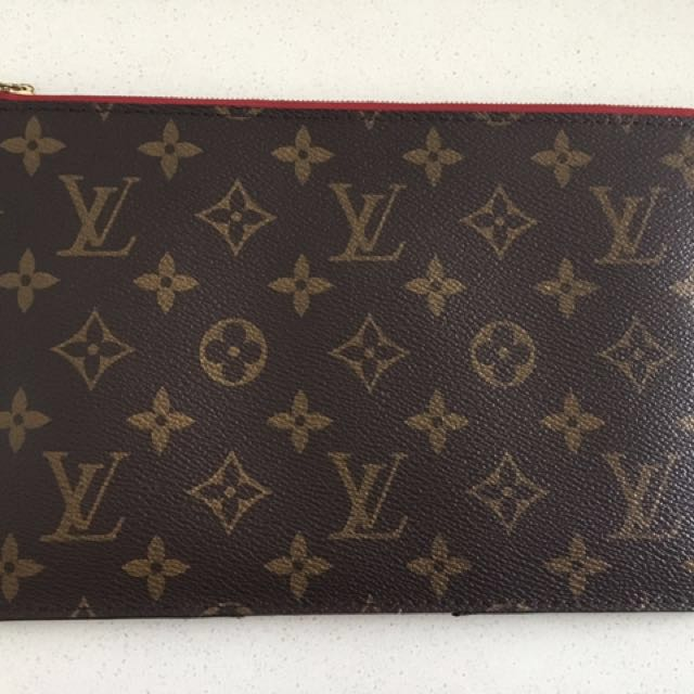Authentic Louis Vuitton Neverfull Pochette
