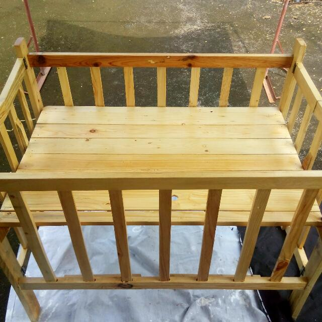Baby Crib Natural Varnish