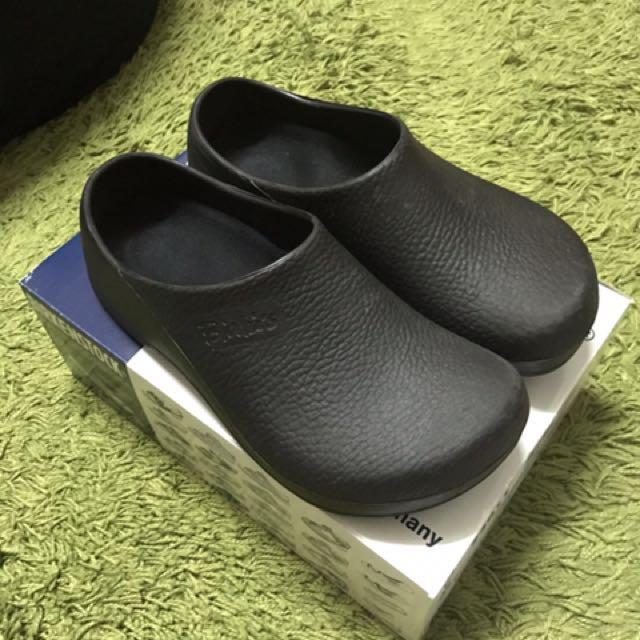 代友售鞋。勃肯birkenstock廚師鞋。26號=40號。黑色