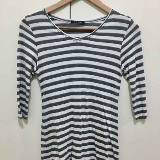 Black Sheep 3/4 Sleeved Top (Gray & White)