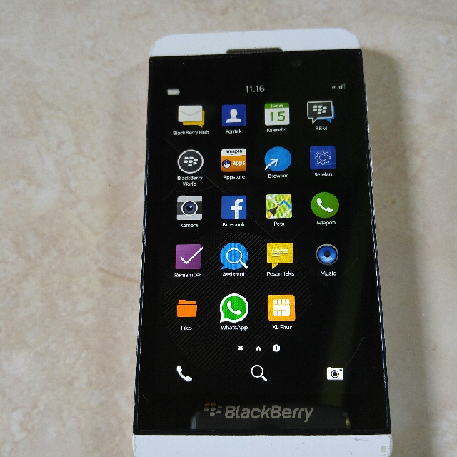 Blackberry Z10 batangan