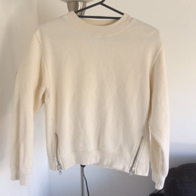 Country road cream jumper