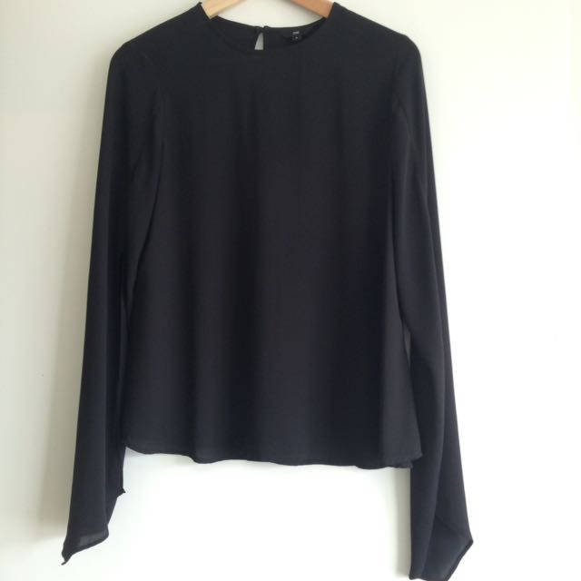 CUE Split Sleeve Top