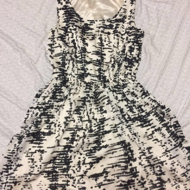 Forever 21 Black & White Dress