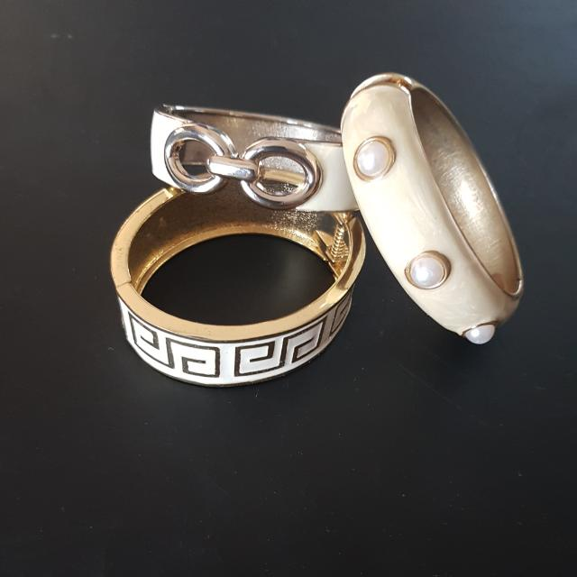 FREE WITH ANY PURCHASE accessory Bangles
