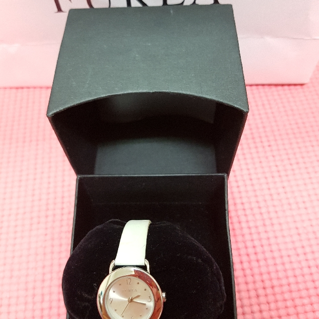 FURLA手錶(白色壓紋錶帶)