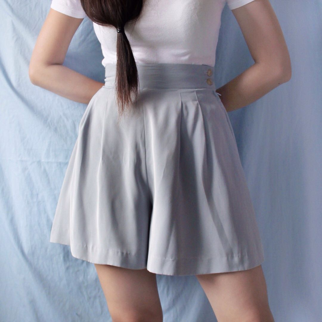 gray hw shorts