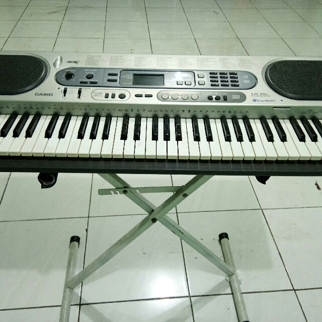 Keyboard Casio LK 70S