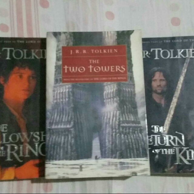 PRELOVED: Lord of the Rings