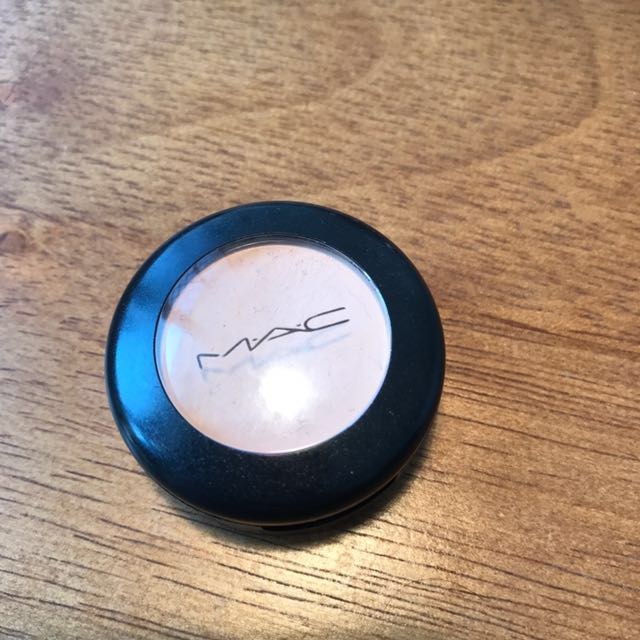 MAC NW20 Concealer (only used with brush a handful of times)