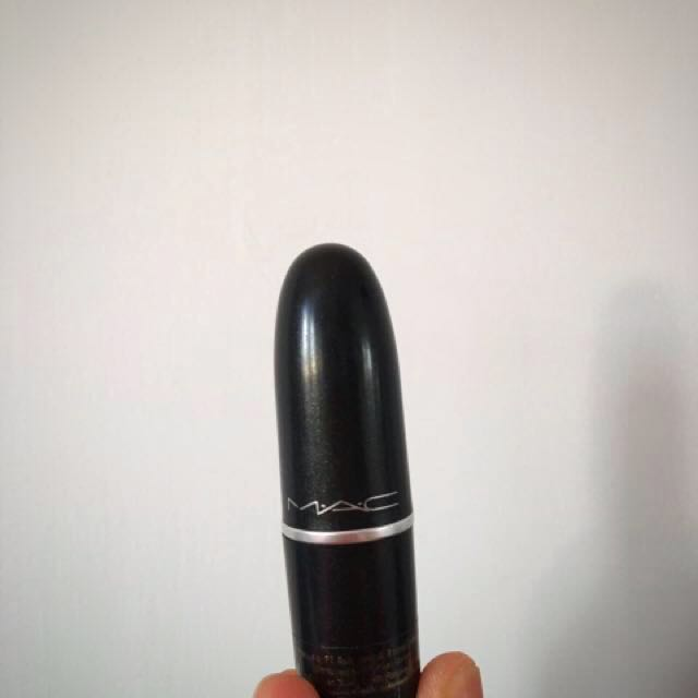 MAC satin lipstick captive