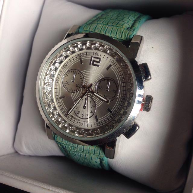 Mint Green Crocodile Skin Pattern Strap Ladies Watch