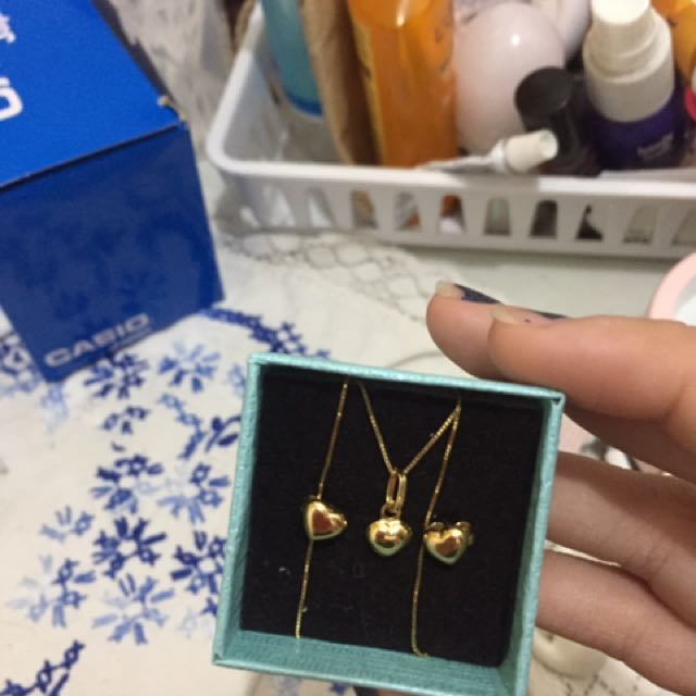 Neclace and earings set