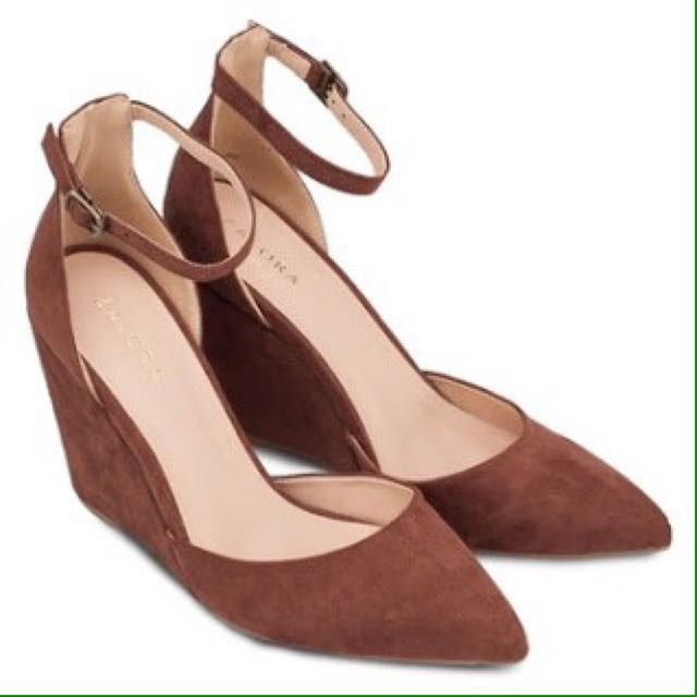 NEW Zalora Wedges Pump