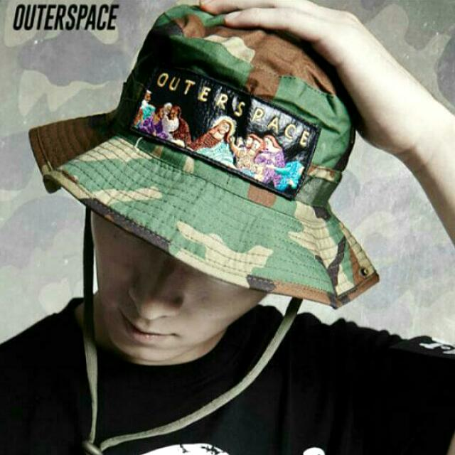 Outerspace 漁夫帽