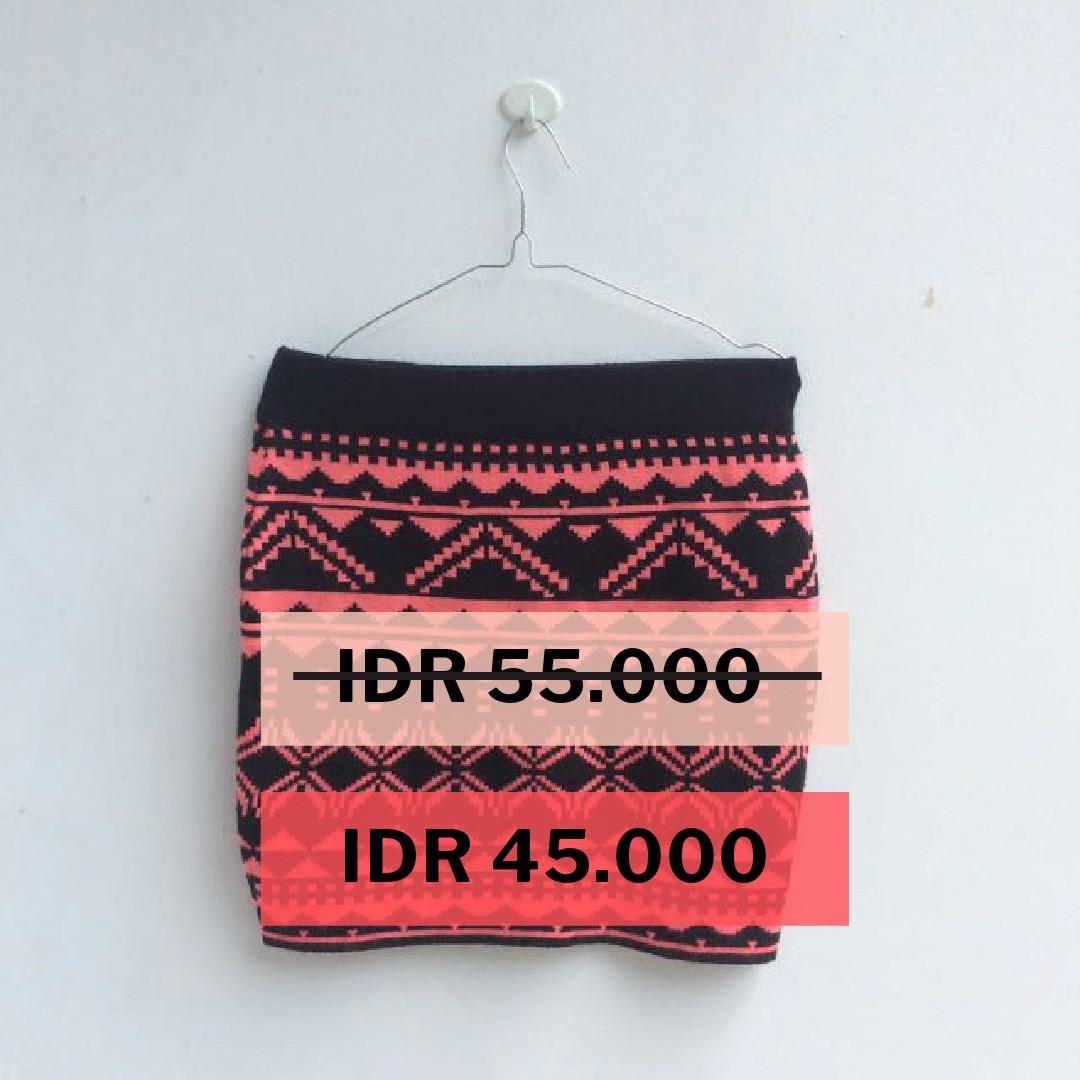 [PRELOVED] Miss selfridge - Tribal knitted skirt