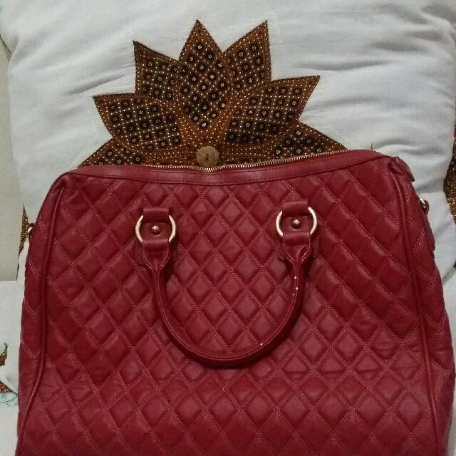Red Bag Merk Oriflame