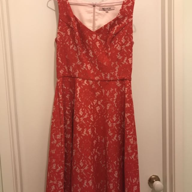 Review Red Lace Dress