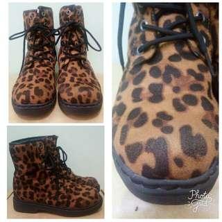 preloved sugar kids leopard boots