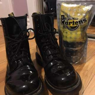 *Price drop!* Authentic Doc Martins Size 7 With Leather Care