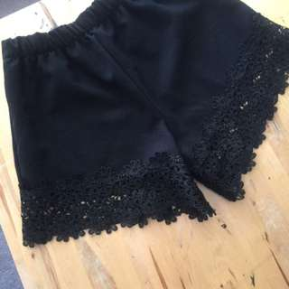 Black shorts with Lace Detail