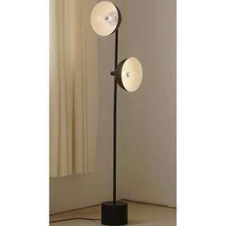 〈滿藝訂制傢俬〉657 美式復古工業風 創意客廳 卧室 書房個性黑色鐵藝立式落地燈
