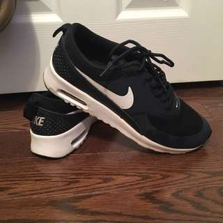 Nike Air Max Thea Sz. 7 Reduced