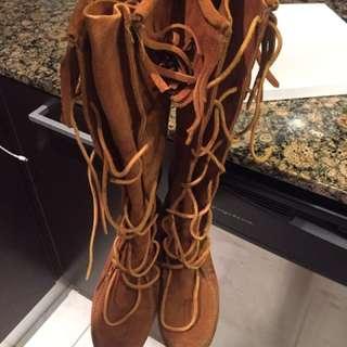 Minnetonka high boot