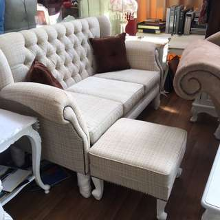Classical Chesterfield Sofas N Chaise Lounges