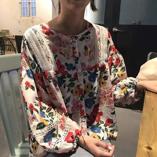 Lace stitching long-sleeved shirt Korean version of the wild retro floral doll