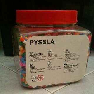 Pyssla beads & board