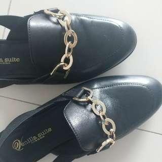 Venilla suite black shoes size 35 (225)