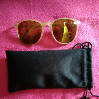 Shades/Eyeglasses with pouch