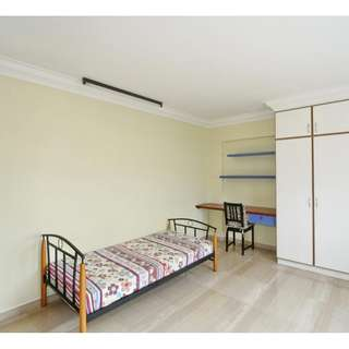 Room For Rent – Pasir Ris Elias Road. very clean, comfortable and large common room for rent