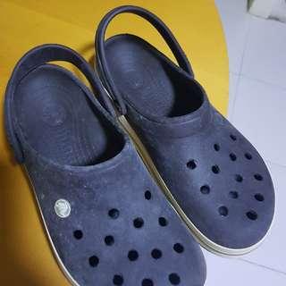 crocs size 8-9 men