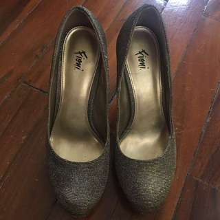 Fioni Pumps (Payless Shoe Store)