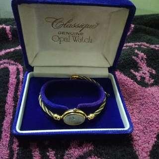 瑞士古典鋼索腕錶