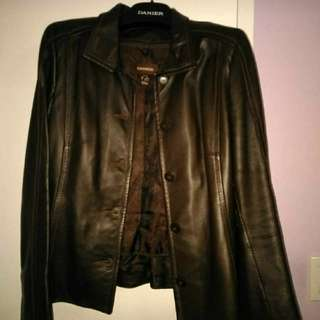xs brown danier jacket