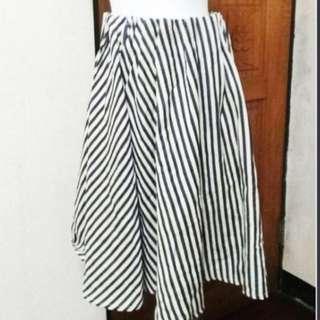 🚚 藍白 條紋 直條 經典法式中長裙