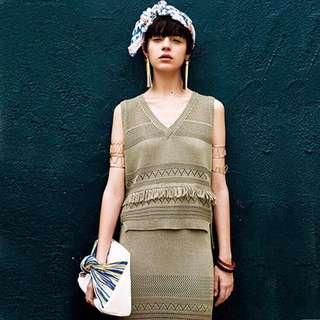 お勧め🉐️murua無袖特殊織法針織流蘇裝飾v領原單上衣&修身包臀及膝裙