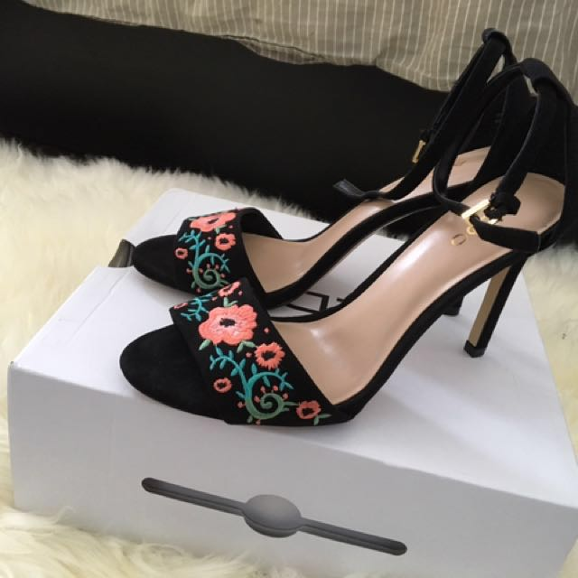 BRAND NEW Aldo Ankle Strap Embroidered Heels Size 6.5