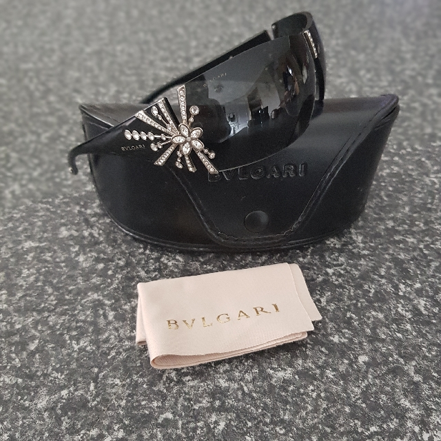 Bvlgari Sunglasses 8032b perfect condition limited edition Swarovski Crystals flower