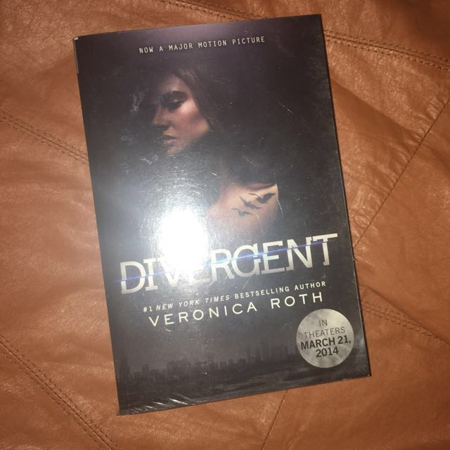 Divergent - Veronica Roth (Movie tie-in cover)