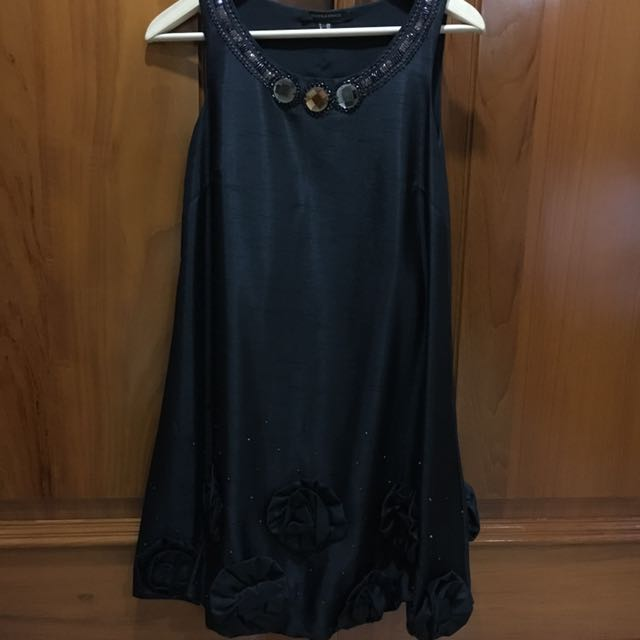 Doris & Grace Elegant Dress in Black